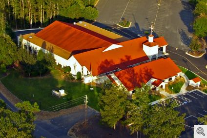Sacred_Heart_of_Jesus_Catholic_Church_HSV__Aerial-1_1024px