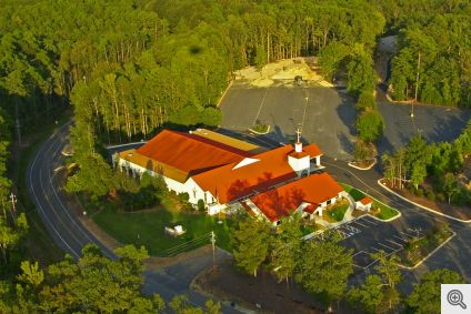 Sacred_Heart_of_Jesus_Catholic_Church_HSV__Aerial-3_1024px